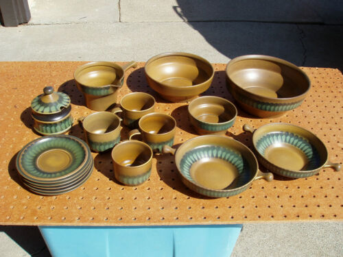 5 PIECE MIXED WALLIS GOEBEL OESLAUER POTTERY DINNERWARE BOWLS GRAVY SUGAR NICE
