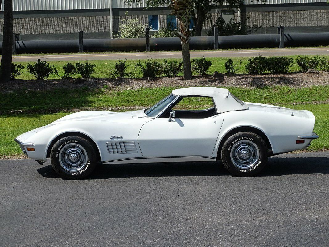 1972 White Chevrolet Corvette Convertible  | C3 Corvette Photo 9