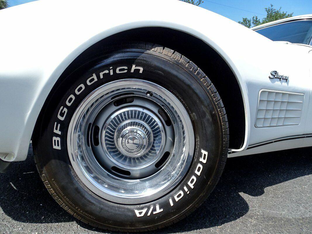 1972 White Chevrolet Corvette Convertible  | C3 Corvette Photo 7
