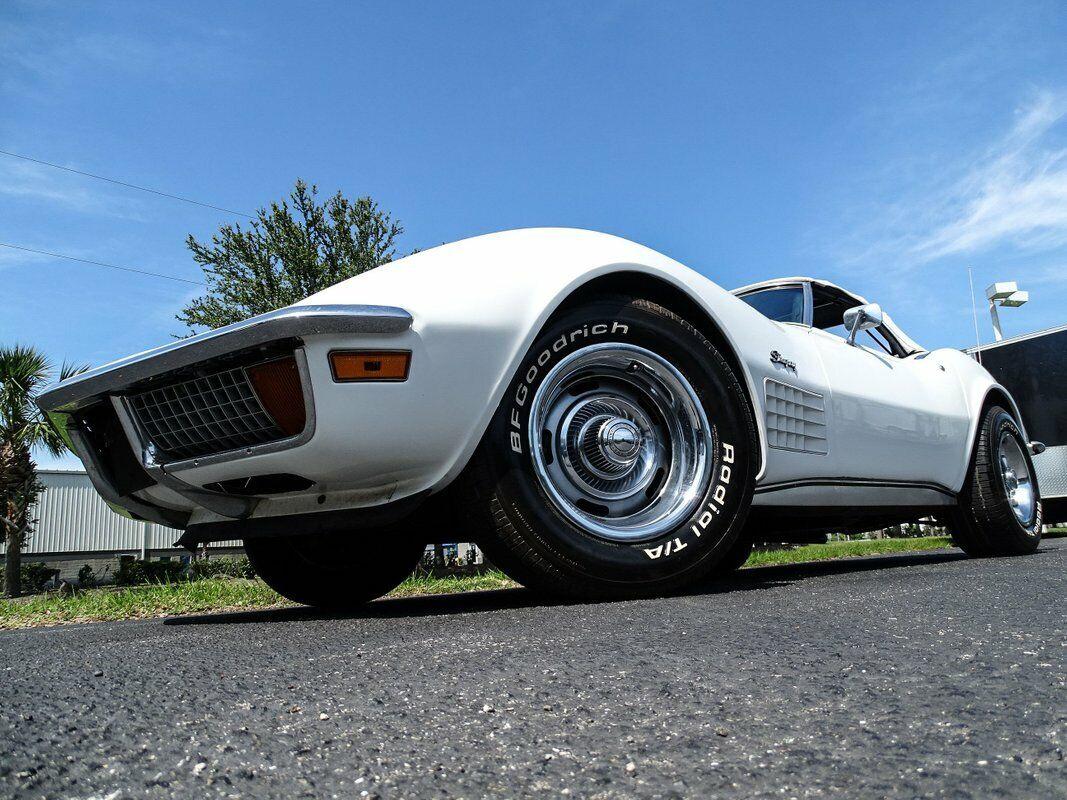 1972 White Chevrolet Corvette Convertible  | C3 Corvette Photo 6