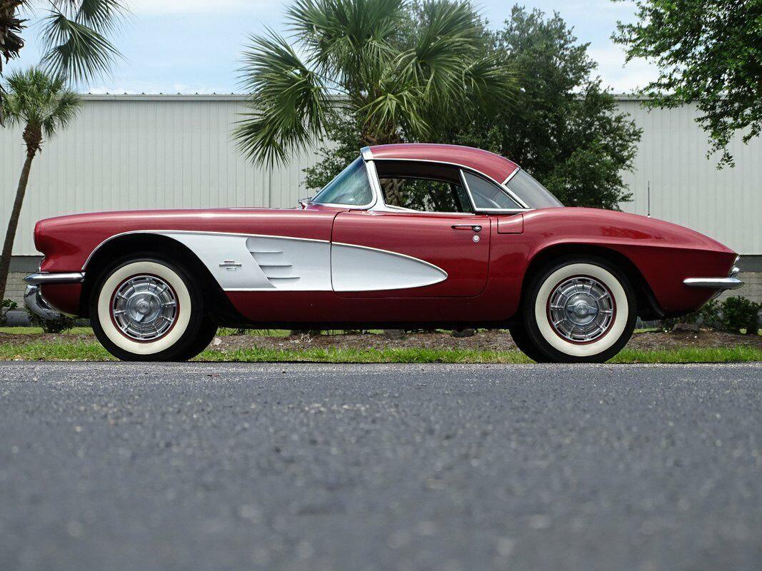 1961 Honduras Maroon Chevrolet Corvette   | C1 Corvette Photo 9