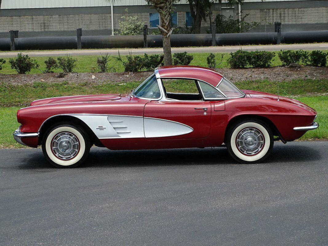 1961 Honduras Maroon Chevrolet Corvette   | C1 Corvette Photo 10