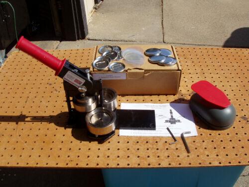 AMERICAN BUTTON MACHINES TECRE MODEL 225 BUTTON BADGE MAKER GOOD COND