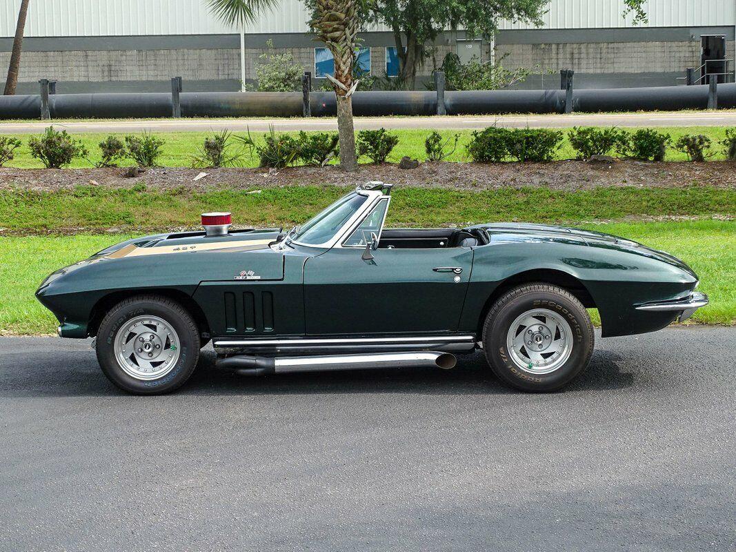 1965 Green Chevrolet Corvette Convertible  | C2 Corvette Photo 9