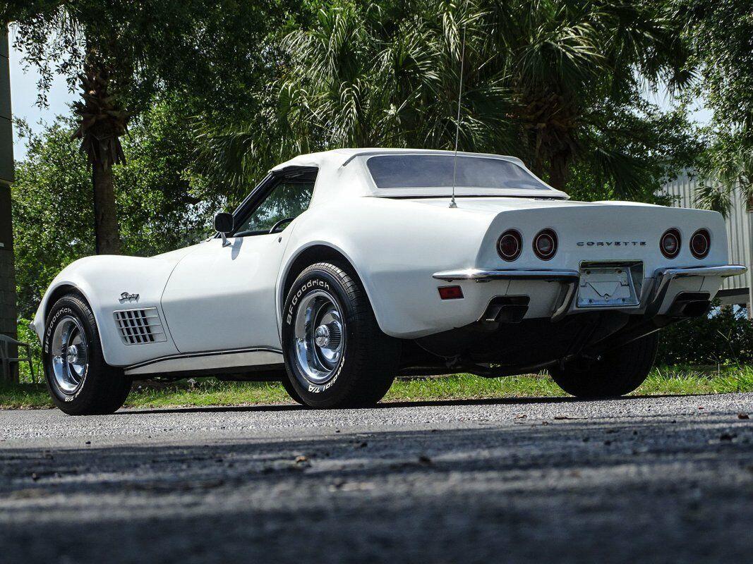 1972 White Chevrolet Corvette Convertible  | C3 Corvette Photo 10