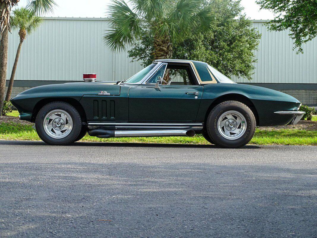 1965 Green Chevrolet Corvette Convertible  | C2 Corvette Photo 10