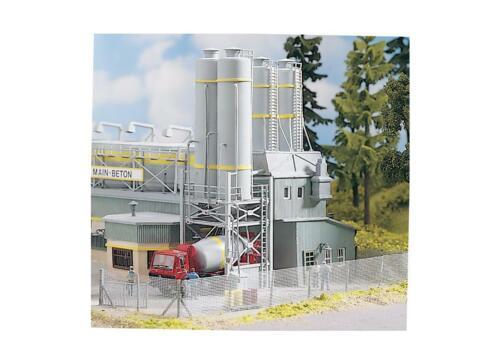 HO Scale Buildings - 61131 - Concrete Plant Silos - Kit