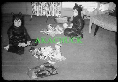 7 35mm Slides HALLOWEEN Kids in Costume 1950s KITTY CATS Piglet BUNNY RABBIT (Cat In Rabbit Costume)