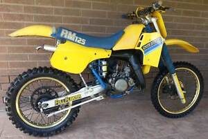 1985 SUZUKI RM125F Canning Vale Canning Area Preview