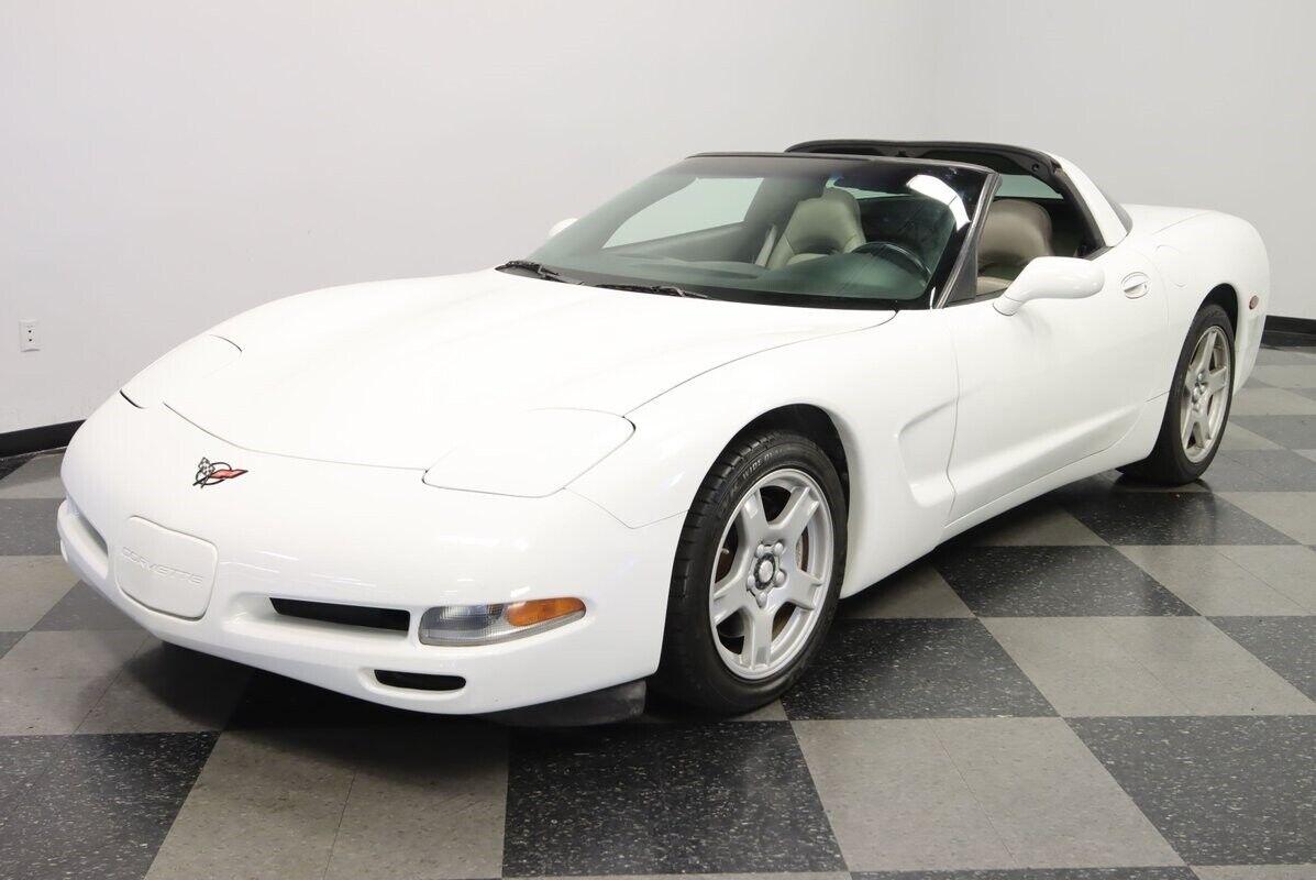 1997 White Chevrolet Corvette   | C5 Corvette Photo 6