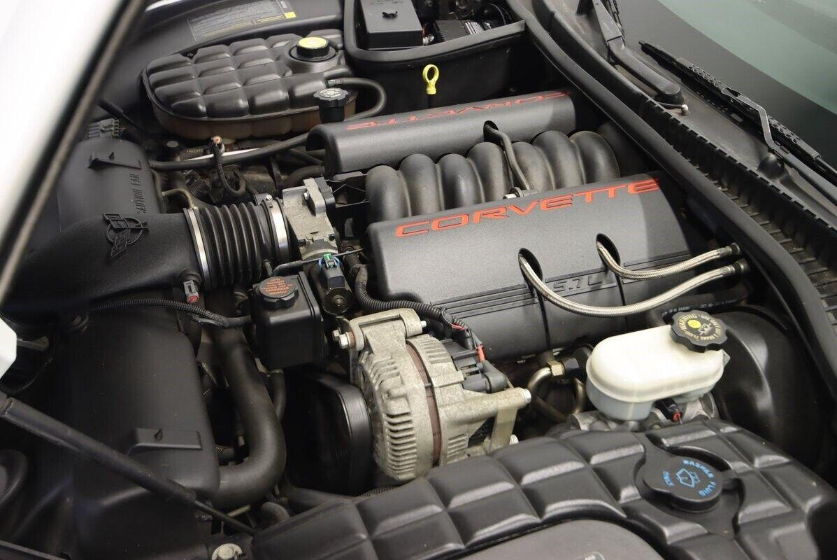 1997 White Chevrolet Corvette   | C5 Corvette Photo 4