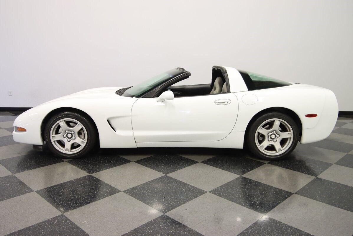 1997 White Chevrolet Corvette   | C5 Corvette Photo 8