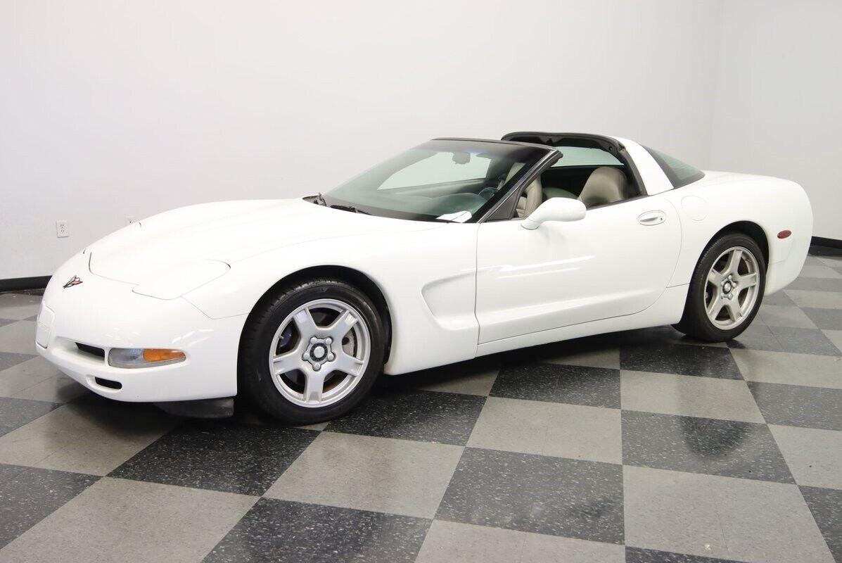 1997 White Chevrolet Corvette   | C5 Corvette Photo 7