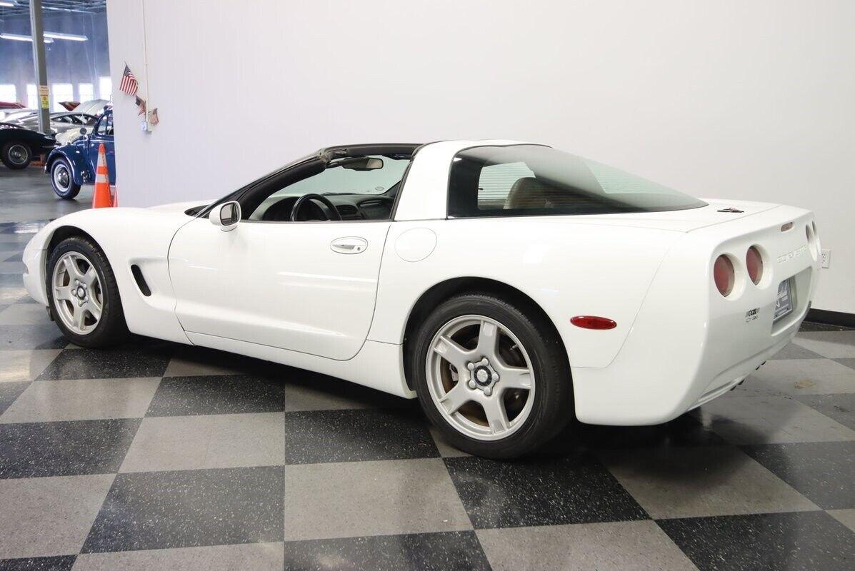 1997 White Chevrolet Corvette   | C5 Corvette Photo 9
