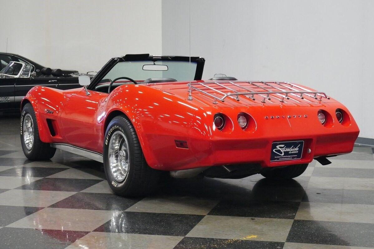 1974 Red Chevrolet Corvette Convertible  | C3 Corvette Photo 10