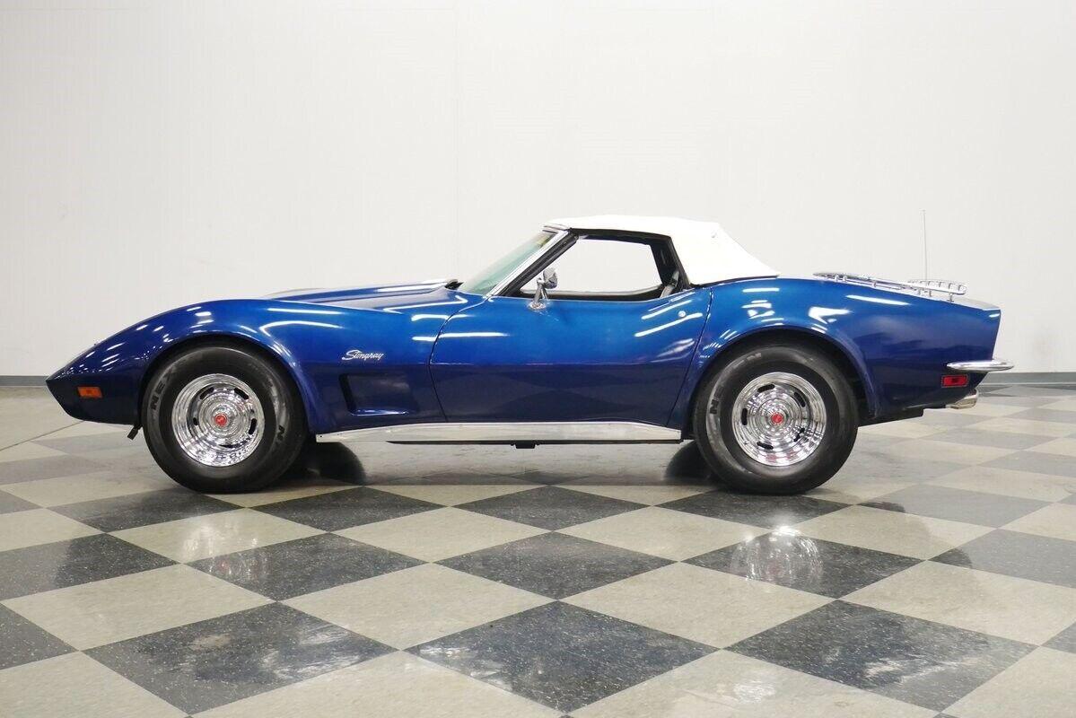1973 Blue Chevrolet Corvette Convertible    C3 Corvette Photo 3