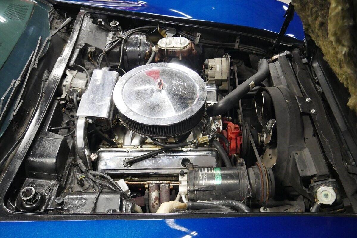 1973 Blue Chevrolet Corvette Convertible    C3 Corvette Photo 4