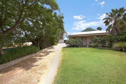 6.5 ACRES WITH UNRESTRICTED BORE & FACILITIES FOR KENNELS Mallala Mallala Area Preview