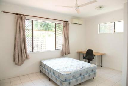 Ensemble Room for Rent close to University