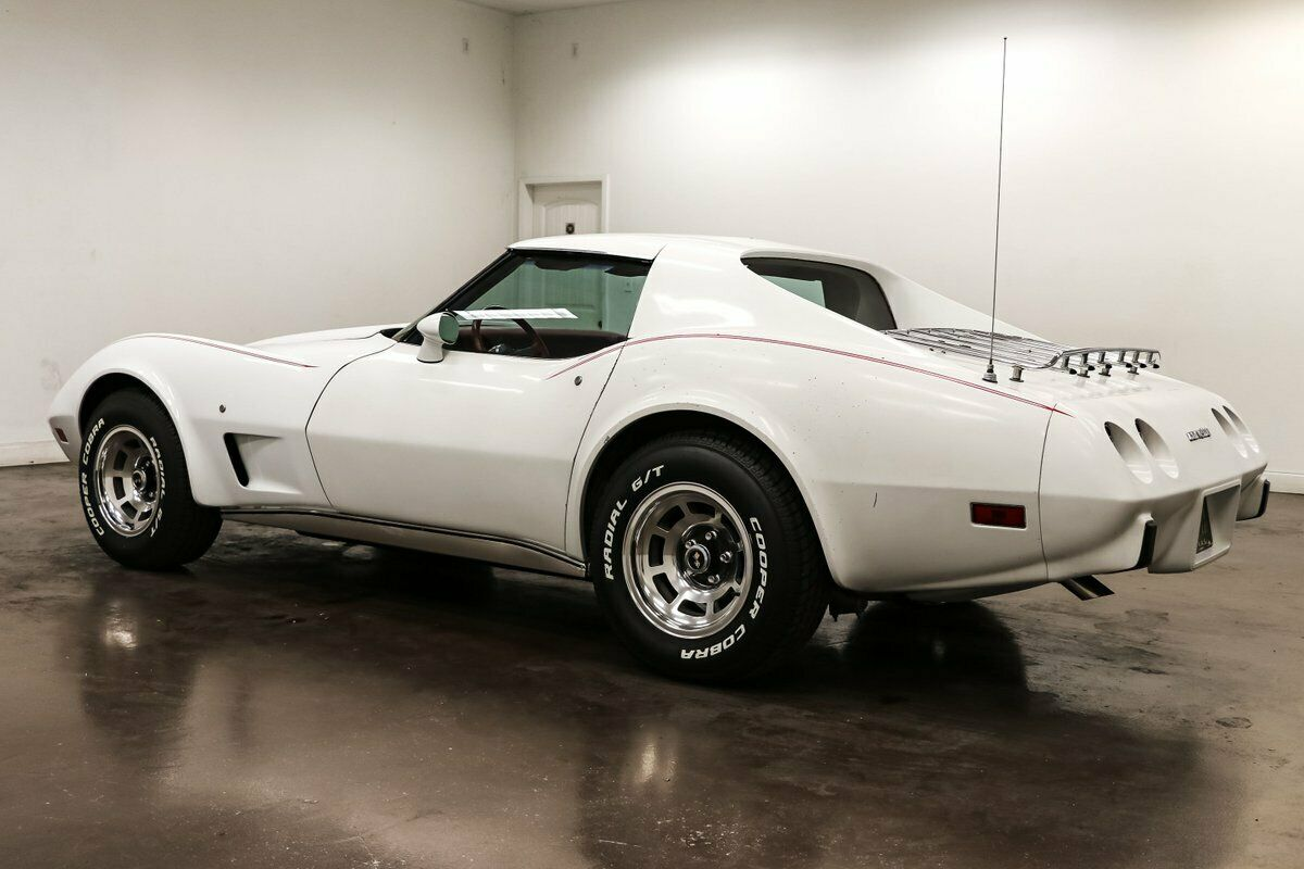 1977 White Chevrolet Corvette   | C3 Corvette Photo 5