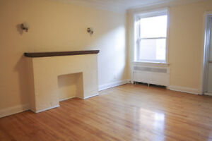 University of Ottawa Students! Large 3 Bed in Sandy Hill!
