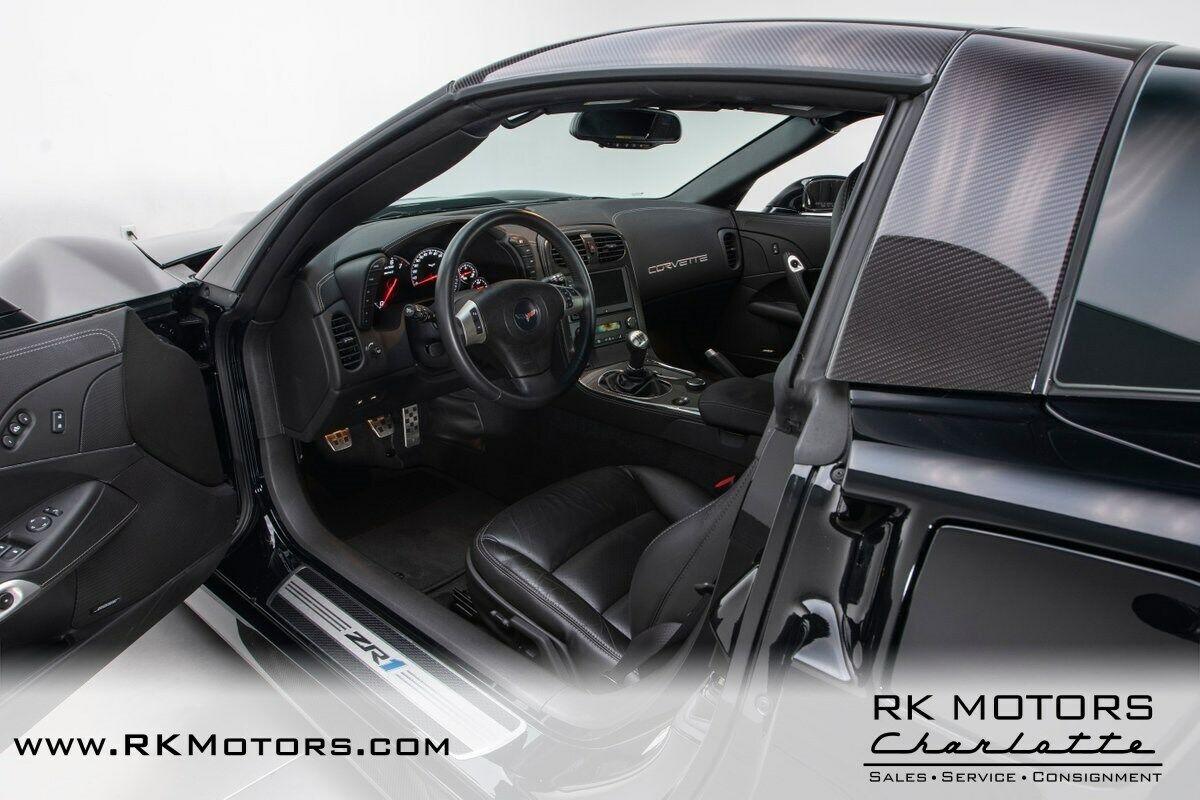2011 Black Chevrolet Corvette ZR1 3ZR | C6 Corvette Photo 3