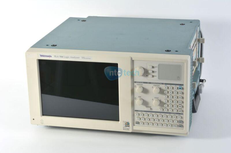 Tektronix TLA 704 Logic Analyzer Color Portable Mainframe 2x TLA 7N4 Opt 6S