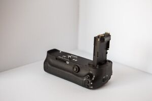 Battery grip for Canon 5D Mark iii, 5DS, 5DSR