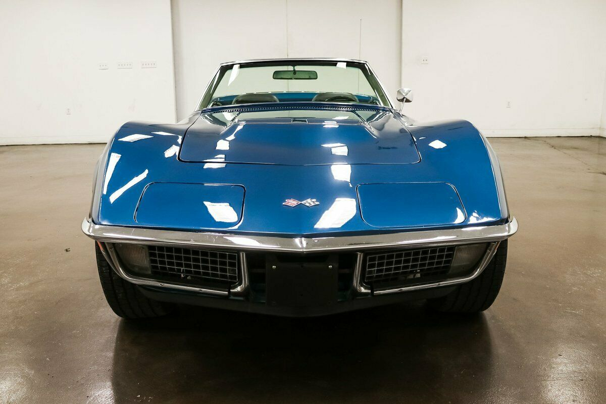1970 Blue Chevrolet Corvette Stingray  | C3 Corvette Photo 3