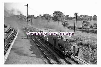bb0902 - BR Railway Engine 44229 at Alfreton in 1961 - photograph