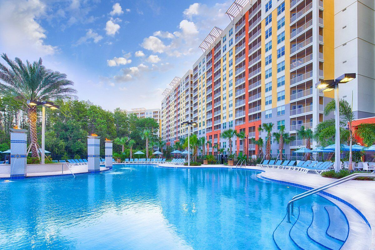VACATION VILLAGE AT PARKWAY TRIENNIAL SUMMER WEEK 2 BEDROOM W/ LOCK-OUT - $1.00