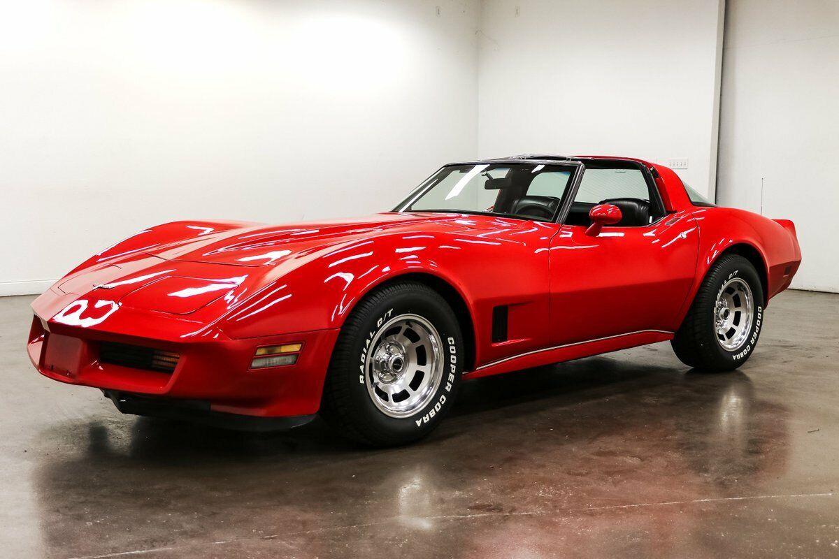 1980 Red Chevrolet Corvette   | C3 Corvette Photo 5