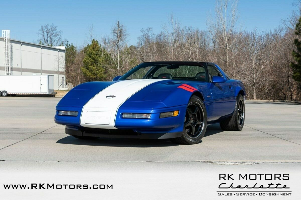 1996 Blue Chevrolet Corvette Grand Sport    C4 Corvette Photo 3