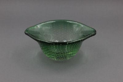 Murano - Kleine grüne Glasschale mit gestochenen Luftblasen,  1950er Jahre