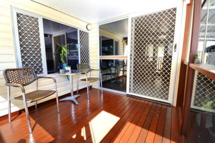 PET FRIENDLY - IMMACULATE HOME LANDSBOROUGH 1 BEDROOM+2ND LIVING