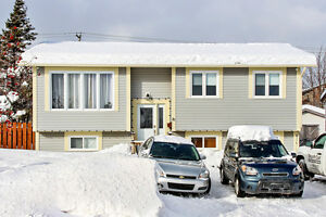 New Listing: 28 Spratt Place - beautiful renovated bungalow