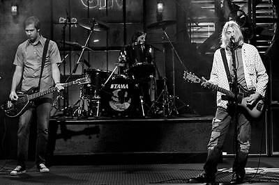 NIRVANA KURT COBAIN LIVE 8X11 BAND TOUR PHOTO POSTER ART PICTURE DECOR 001
