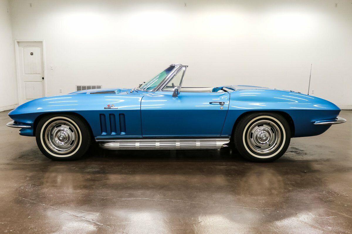 1966 Blue Chevrolet Corvette   | C2 Corvette Photo 4