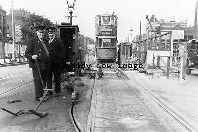 a0413 - London Tram no 190 at Leytonstone - photograph