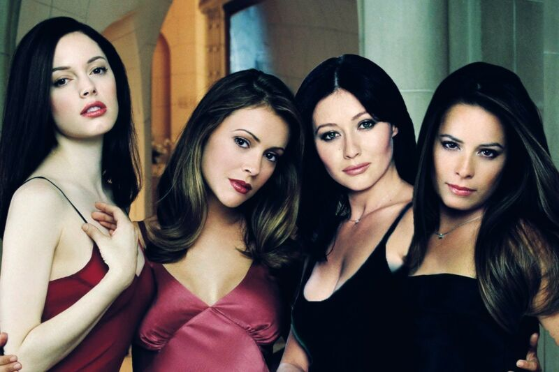 Charmed Comeback 8x10 Picture Celebrity Print