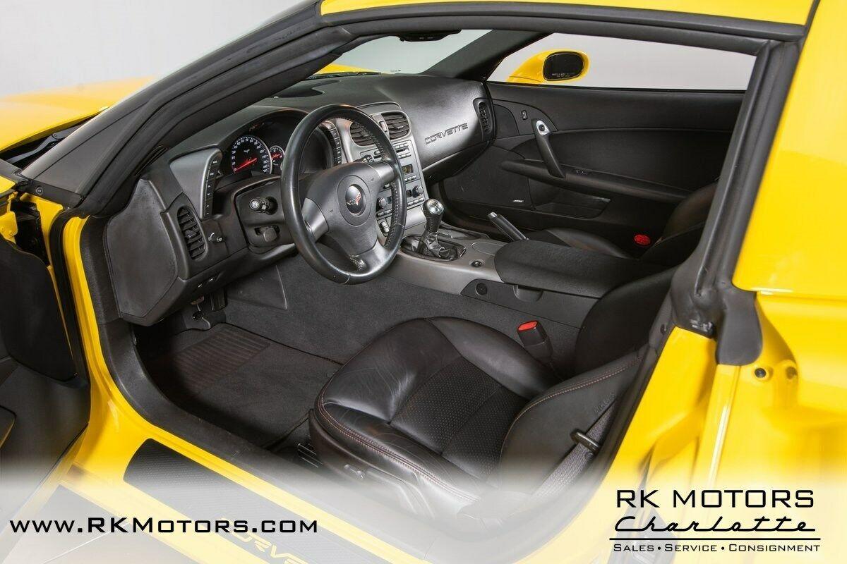 2006 Yellow Chevrolet Corvette Z06    C6 Corvette Photo 3