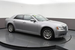 2011 Chrysler 300 WOW LOOK AT THIS CAR - LEATHER - SUNROOF - HEA