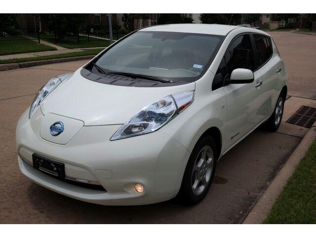 Image 1 of Nissan: Leaf SL White