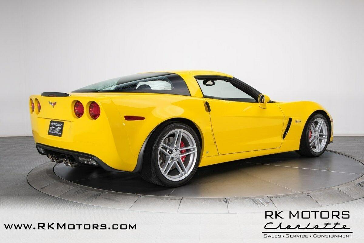 2006 Yellow Chevrolet Corvette Z06    C6 Corvette Photo 2