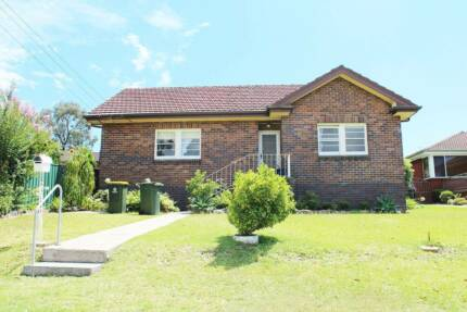 Parramatta: one room to rent. Renovated double brick house