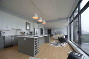 Stunning Penthouse Apartment with Citadel and Harbour Views!