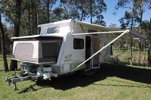 Jayco Expanda Outback 16.49-3 shower toilet hard lid model Thornton Maitland Area Preview