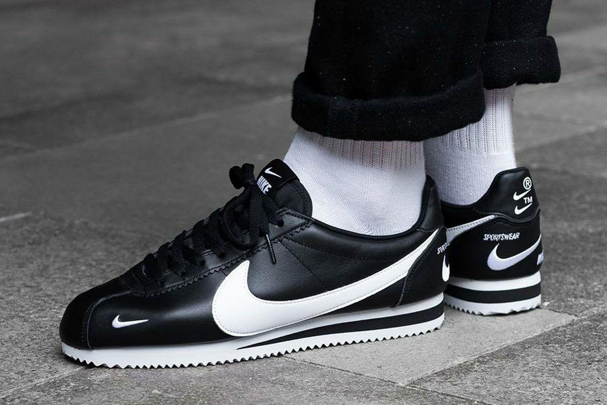 Mens Nike Air Classic Cortez Premium Sneakers, Black White 8