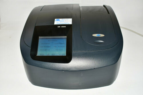 HACH DR 5000 UV-VIS SPECTROPHOTOMETER - PASSES ALL SELF-CHECKS