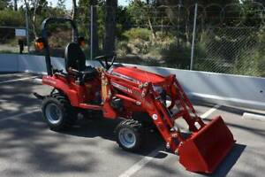 MASSEY FERGUSON GC1723E TRACTOR WITH FE LOADER Aldinga Beach Morphett Vale Area Preview